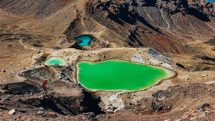 We'd planned to picnic by the Emerald Lakes, but the conditions were so bad - and the track so exposed - we didn't end up eating at all.