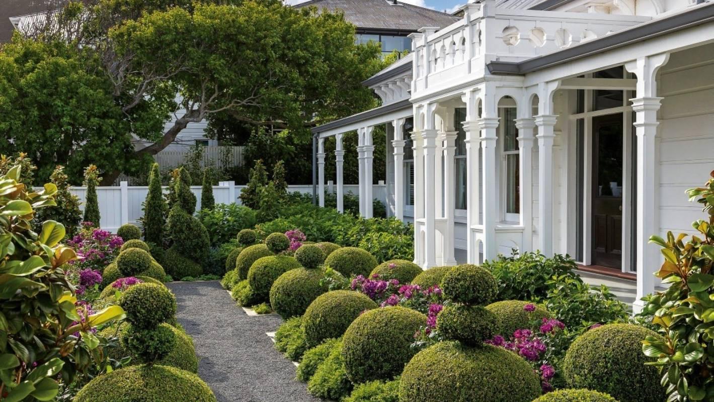 Surprising Formal Topiary Garden Near Downtown Wellington Stuff Co Nz