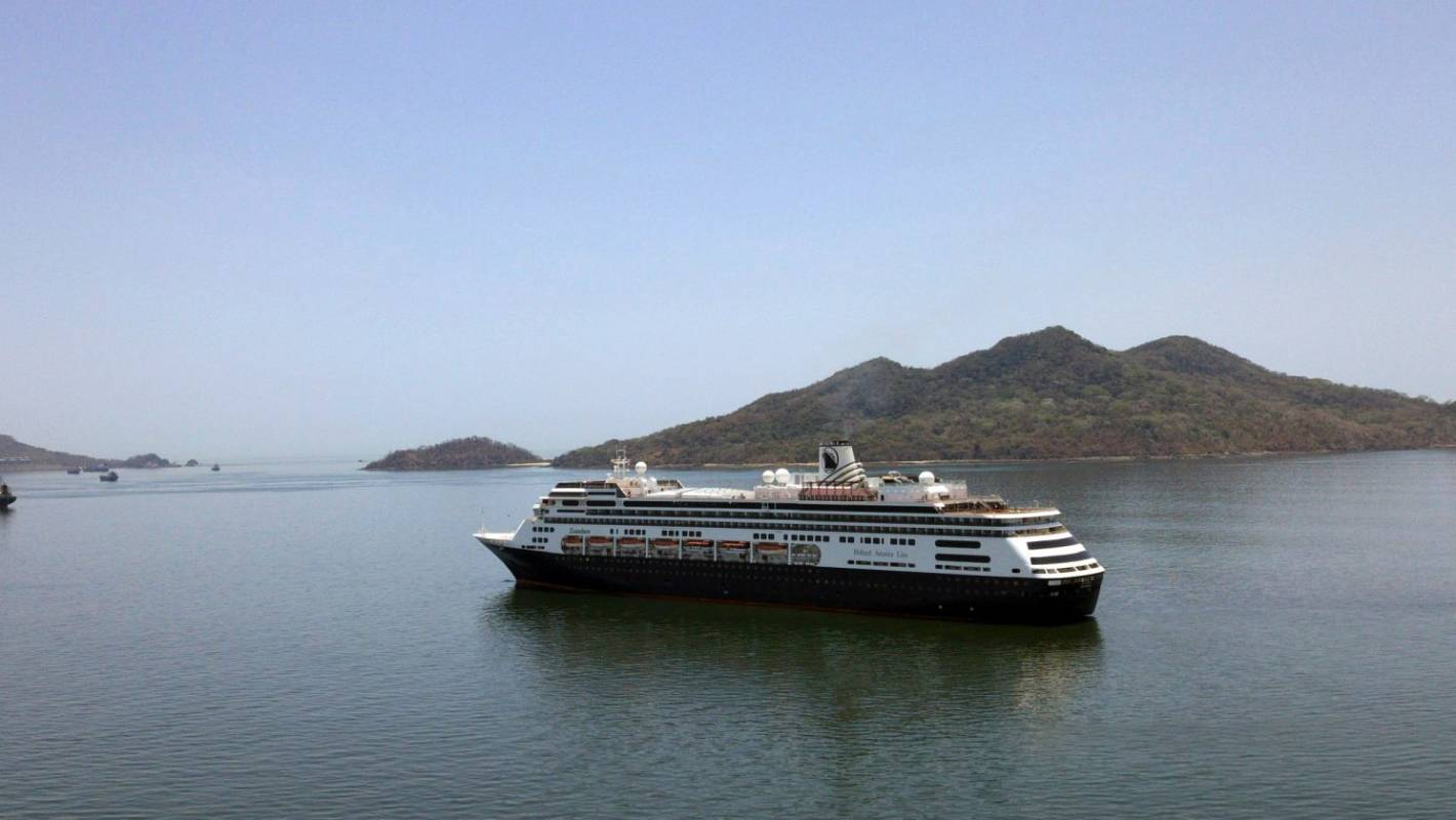 Coronavirus: Stricken cruise ship with Kiwis head towards Florida