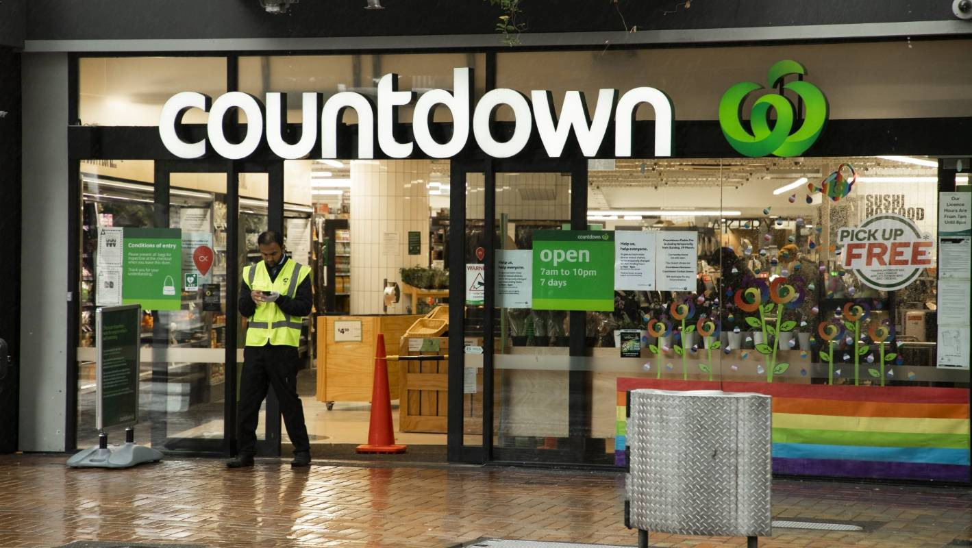 Coronavirus: Online shopping forces temporary supermarket closures