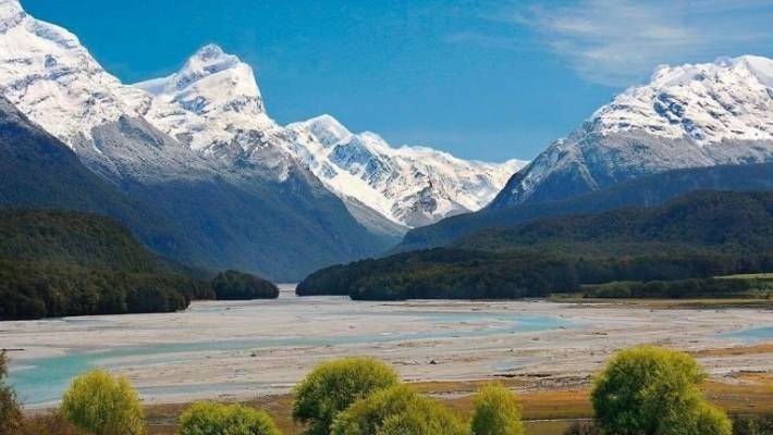 Arcadia Station at the top of Lake Wakatipu, a key film location for numerous movies, including Lord of the Rings, has been sold to a New Zealander for a price in the vicinity of $15 million.