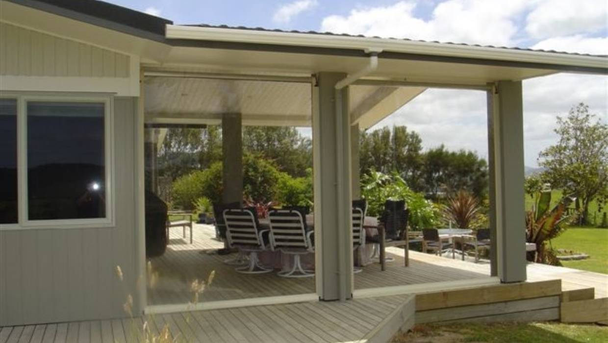 Extend your outdoor living space with Easiroll's outdoor solutions ...