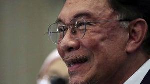 Malaysian prisoner turned leader claims majority