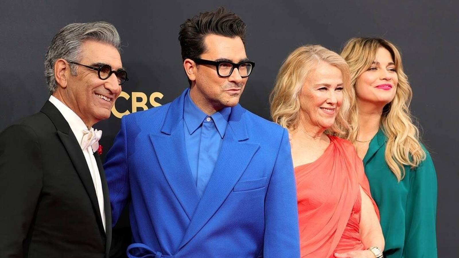 See the Schitt's Creek cast celebrate reunion at 2021 Emmys