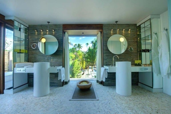 The Brando villa bathroom.