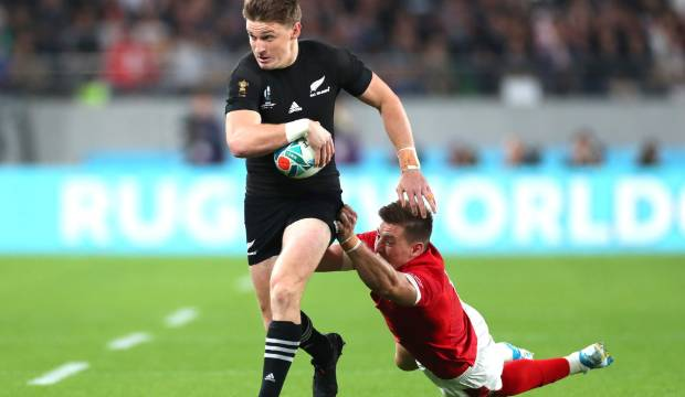 Beauden Barrett in mega move to Japan