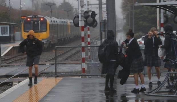 Train commuters transported to buses as earthquake forces rail line closures across Wellington