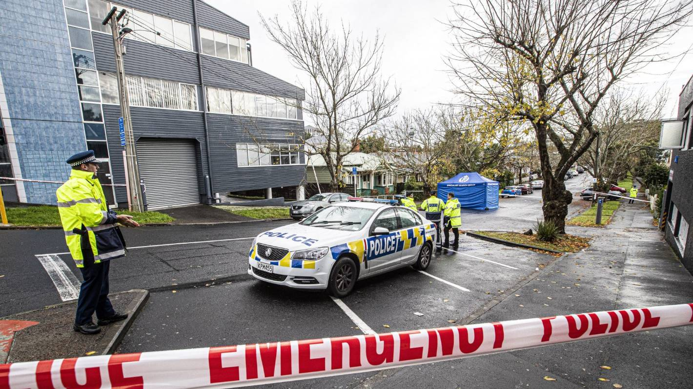 Auckland shooting: Police launch homicide investigation