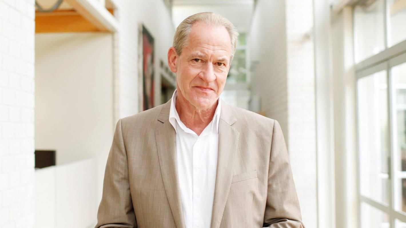 Professor accused of sexual stalking resigns