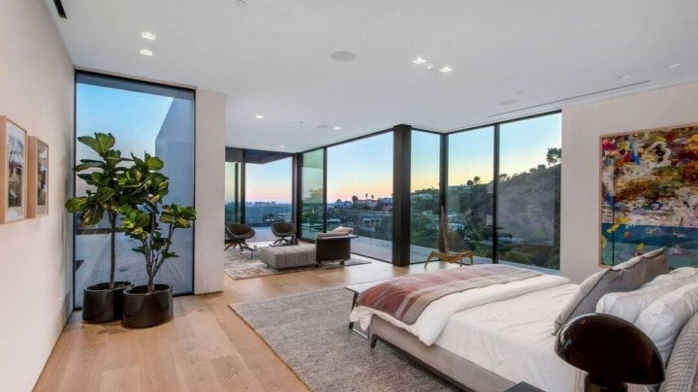 Ariana Grande Buys Hollywood Hills Mansion And Tudor Retreat Stuff Co Nz