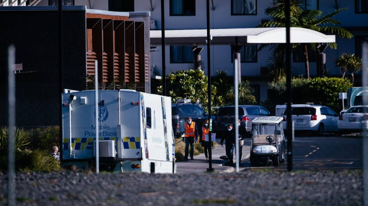 Coronavirus: Auckland high-security quarantine facility Jet Park Hotel evacuated