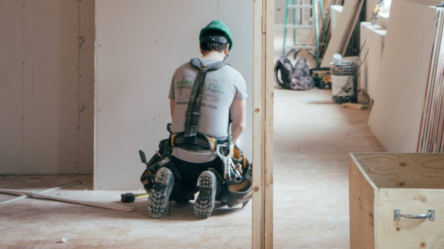 Lockdown spurs home improvement bonanza for builders and retailers