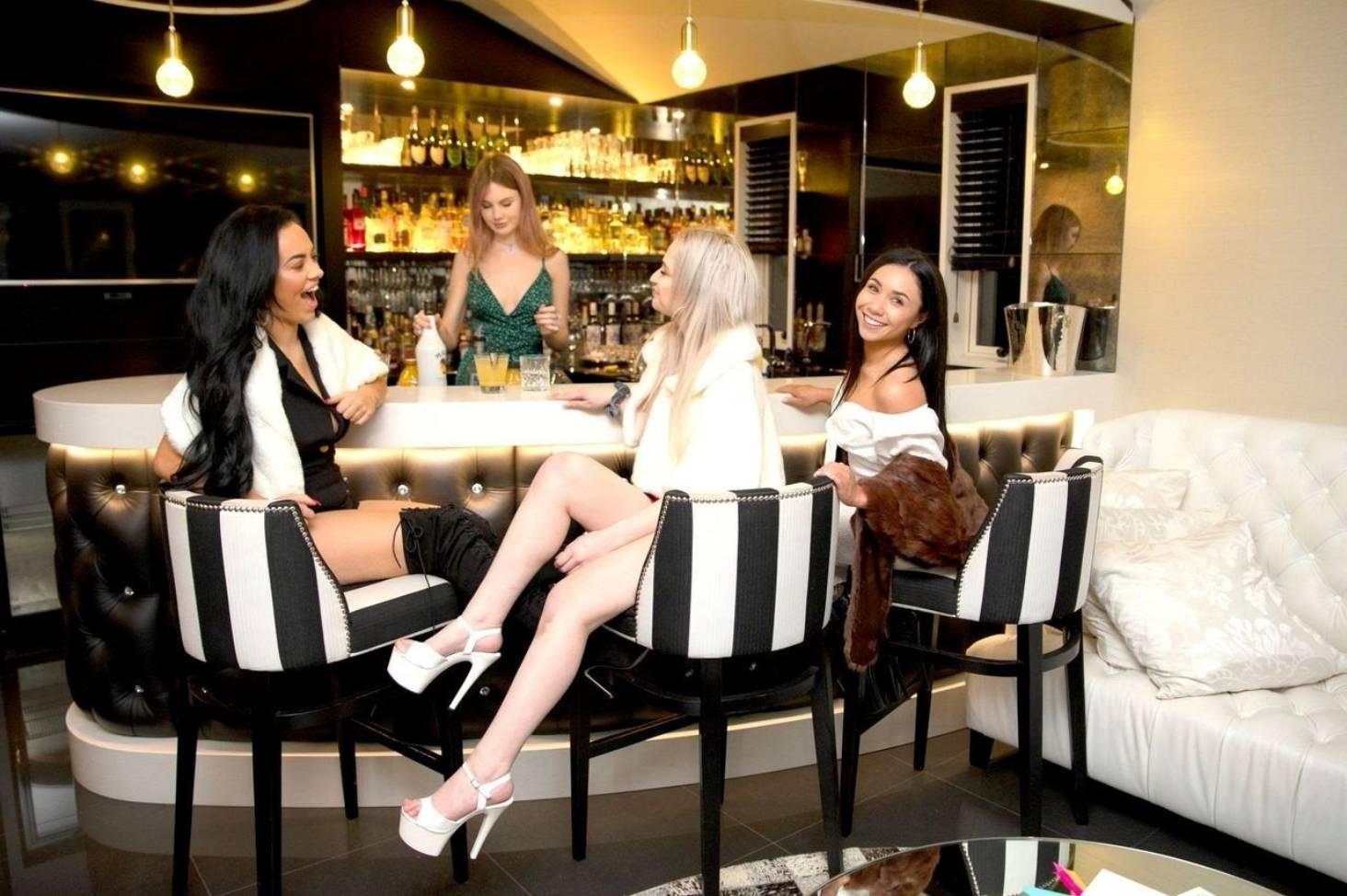 Girls auckland working 'Working Girls'