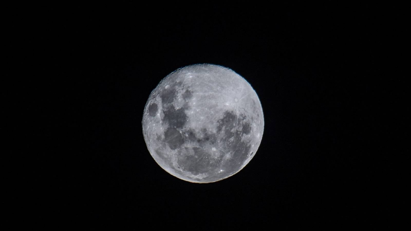 Don't blame the full moon for your poor sleep