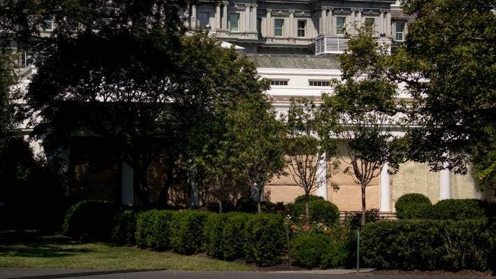 Melania Trump Is Giving The White House Rose Garden A Facelift Stuff Co Nz