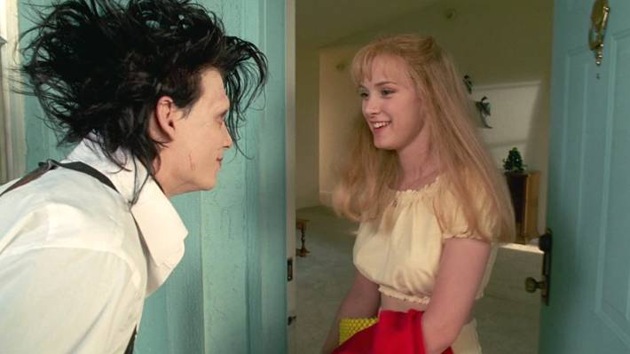 Johnny Depp as Edward Scissorhands and Winona Ryder as Kim Boggs in Edward Scissorhands.