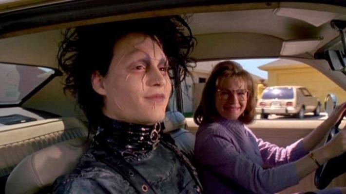 Peg Boggs (Dianne Wiest) brought Edward Scissorhands to live at the Lutz home in the film.