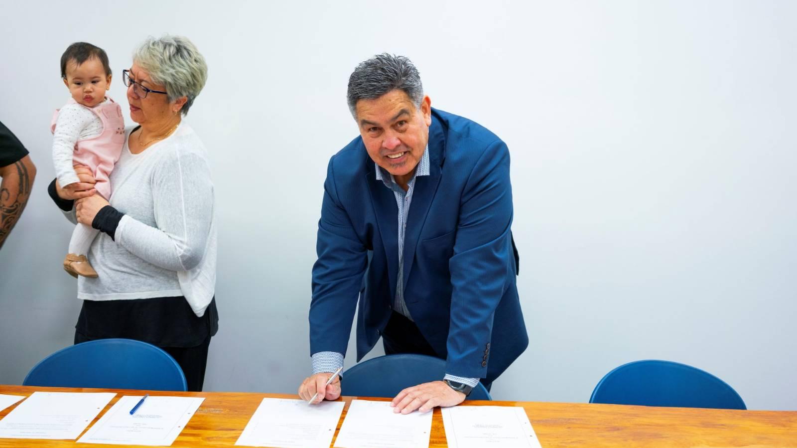 Final Taranaki iwi completes settlement