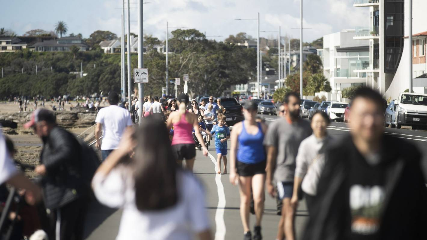 Coronavirus: How new cases of Covid-19 might affect Auckland's move out of level 2.5