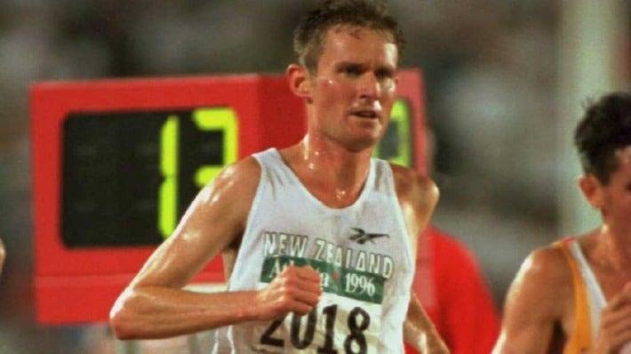 Robbie Johnston contesting the men's 10,000m at the 1996 Atlanta Olympics.