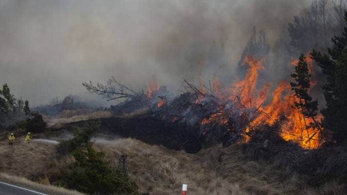 The blaze near Lake Pukaki spread through 3500ha of trees and scrub. (File photo)