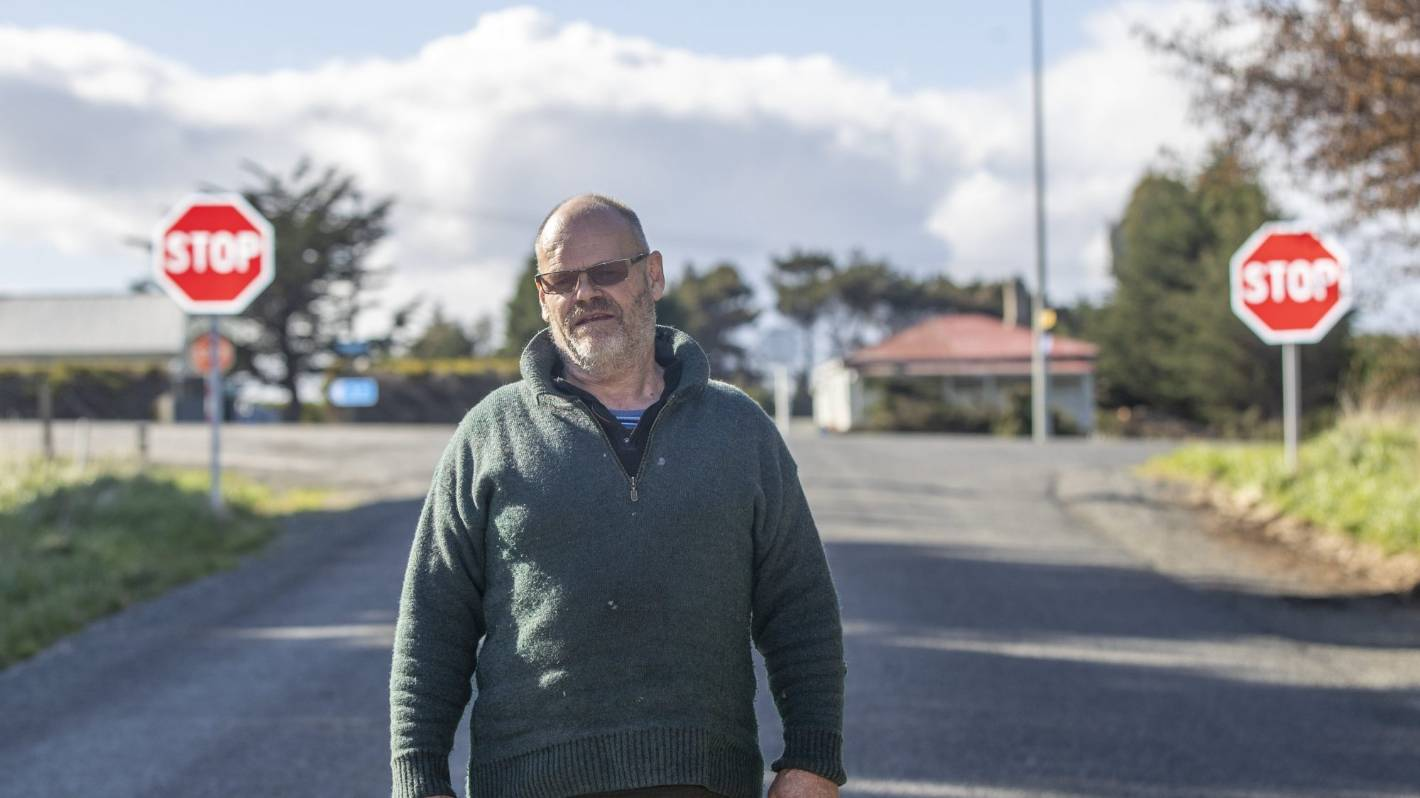 Bluff intersection an 'accident waiting to happen', resident says