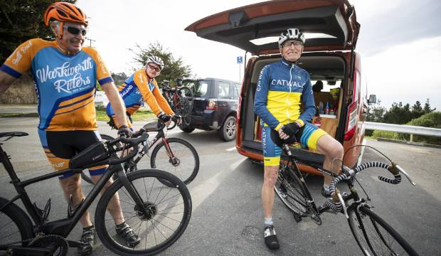 Antique roadie hangs up his trusty steed after successful 100-kilometre cycle ride