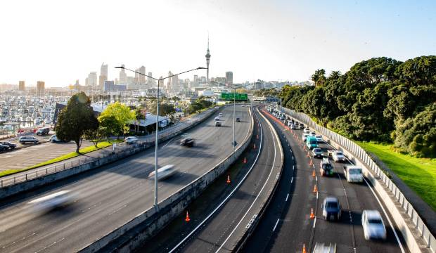 Labour Day traffic: Arterial routes near popular Auckland beaches busy