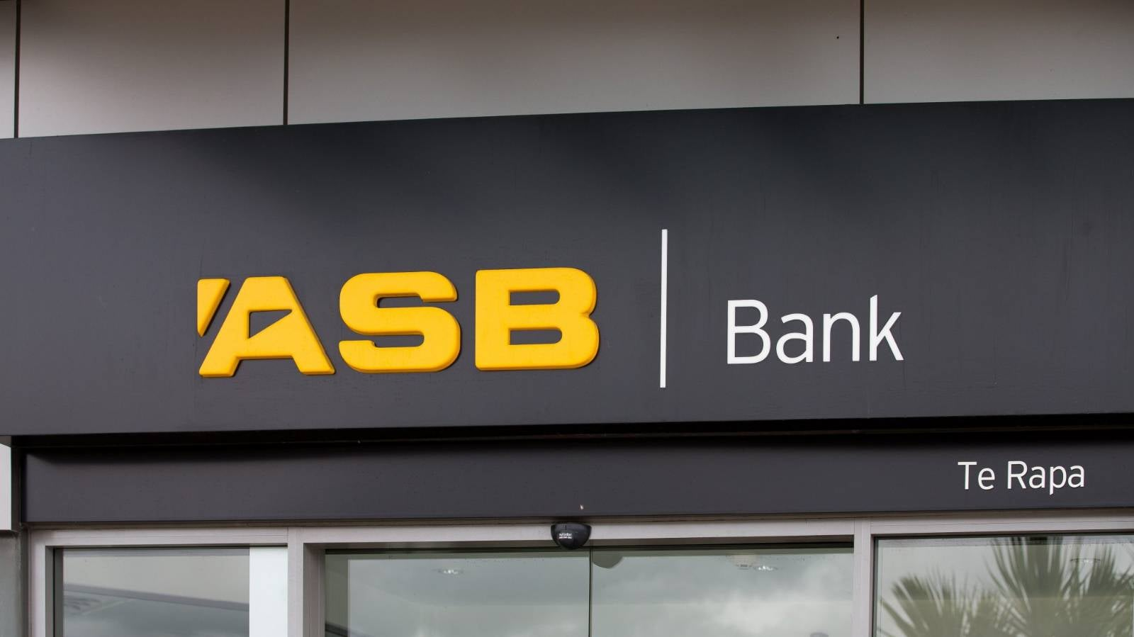 NZ banks feature in investigation involving US$2 trillion in 'suspicious transactions'