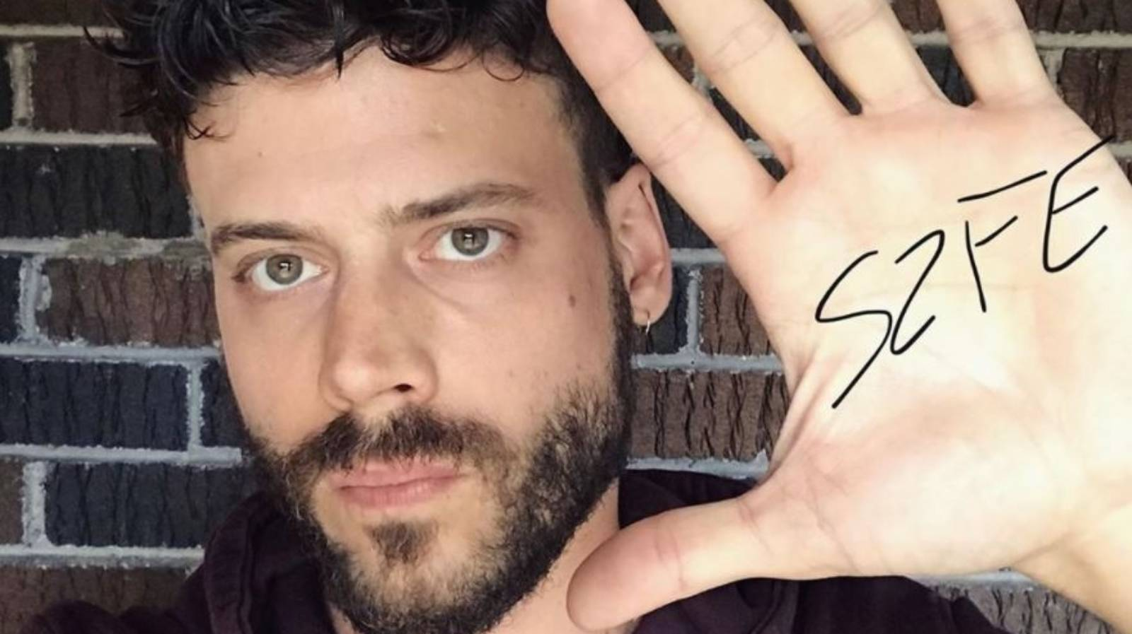 Schitt's Creek actor François Arnaud comes out as bisexual
