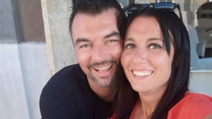 Couple who met on their balconies during Italian lockdown will marry
