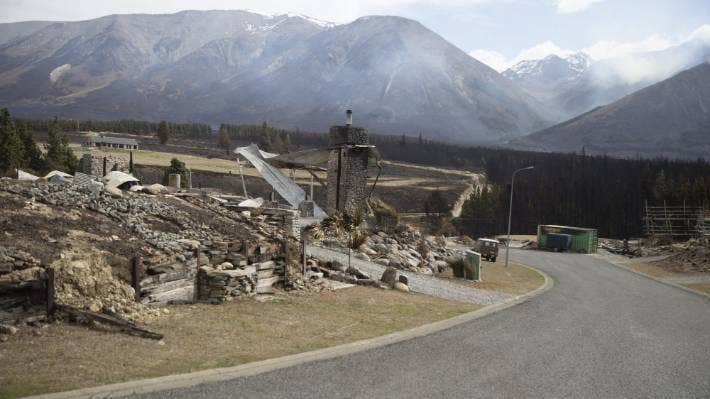 Environment Canterbury have clarified that not all demolition material from the Lake Ōhau fires is potentially toxic. (File photo)