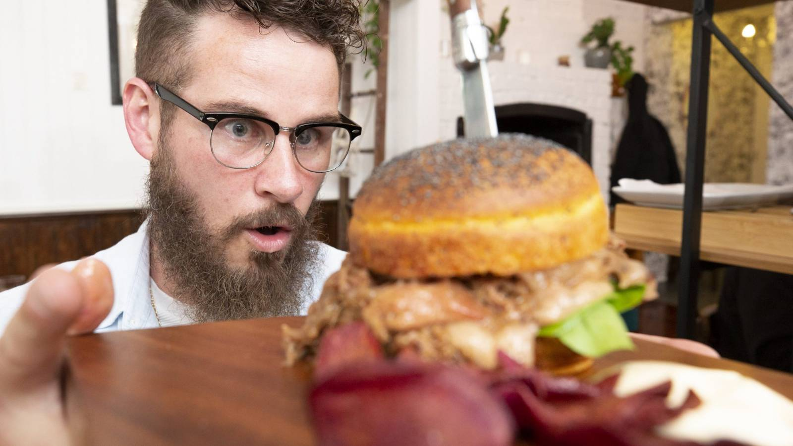 One man's mission to smash 86 burgers in 19 days