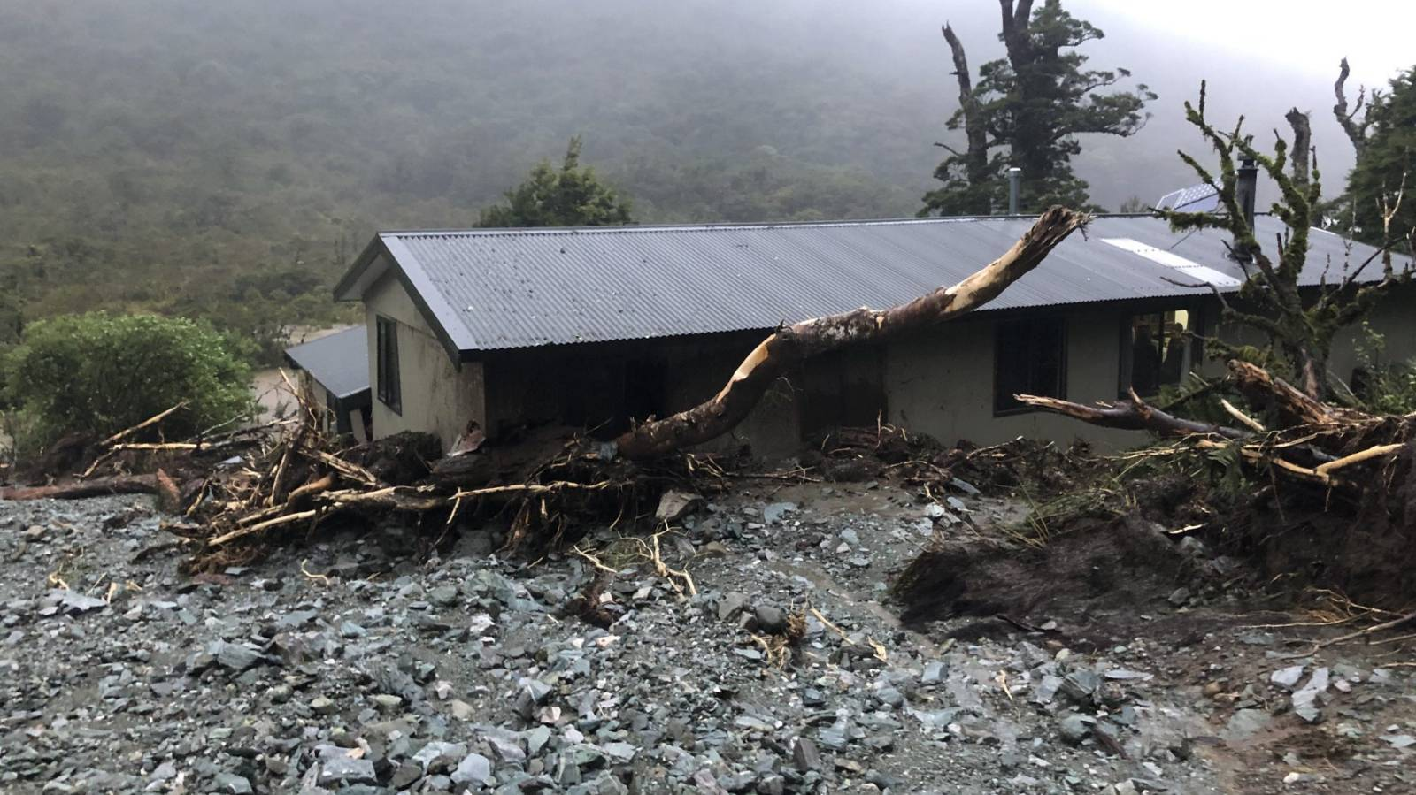 No rebuild for Routeburn Track hut