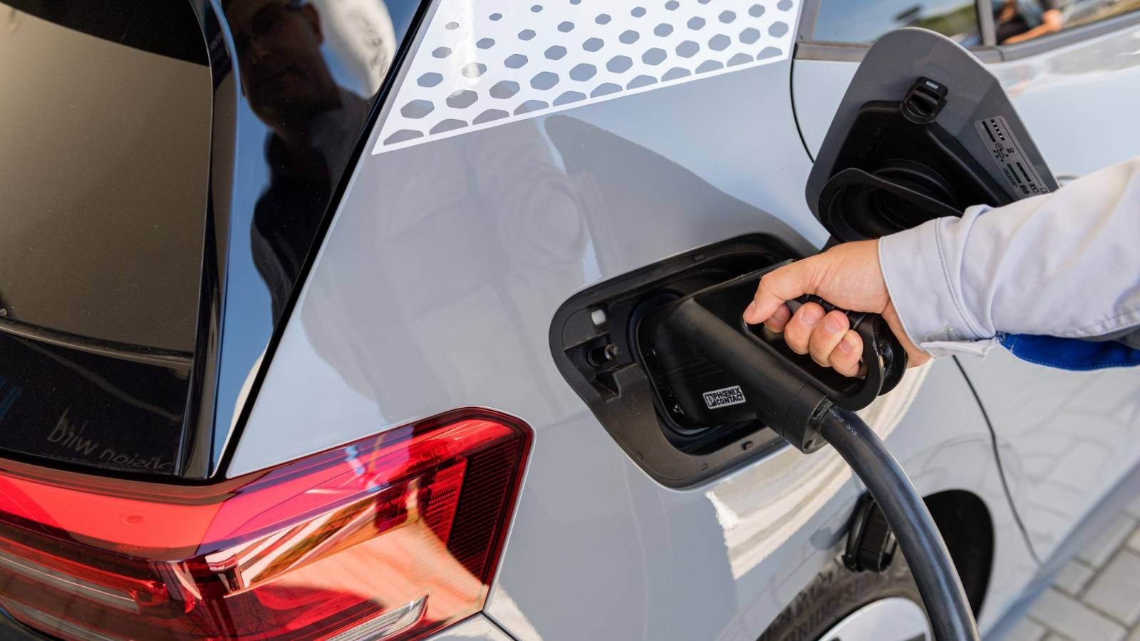 Why the work electric car sits unloved