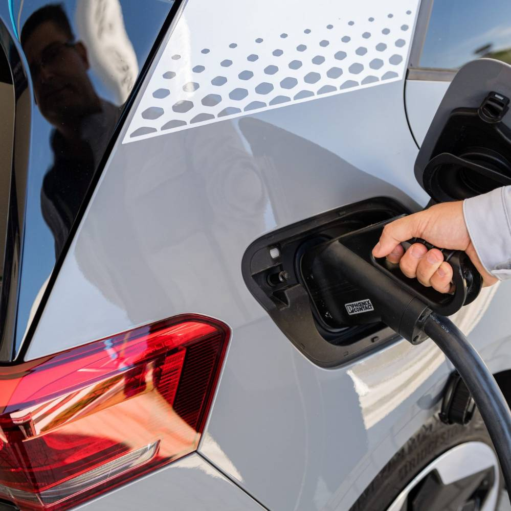 Government offers $8k discount on EVs