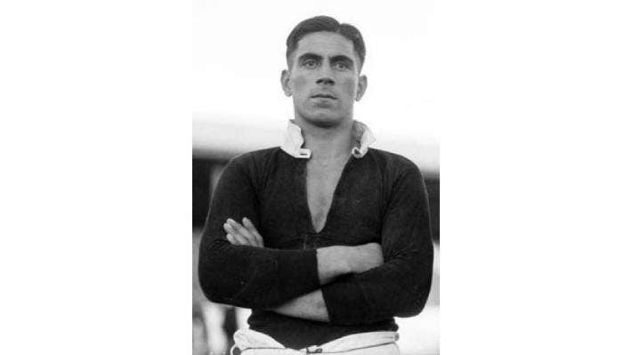 Jack Hoani Macdonald was one of the most talented Māori sports personalities in the 1930s. An Olympic Games rower, he played rugby for the Māori All Blacks and also played rugby league professionally in England.