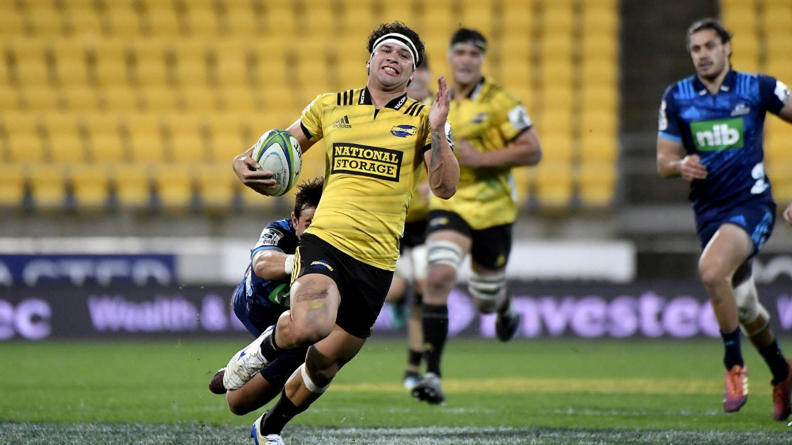 Chiefs snare Hurricanes pair Jonah Lowe and Chase Tiatia for 2021