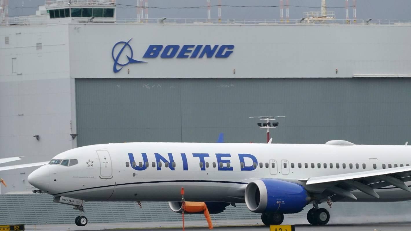 Covid-19: United passenger on flight from Orlando to Los Angeles died of respiratory failure, coronavirus