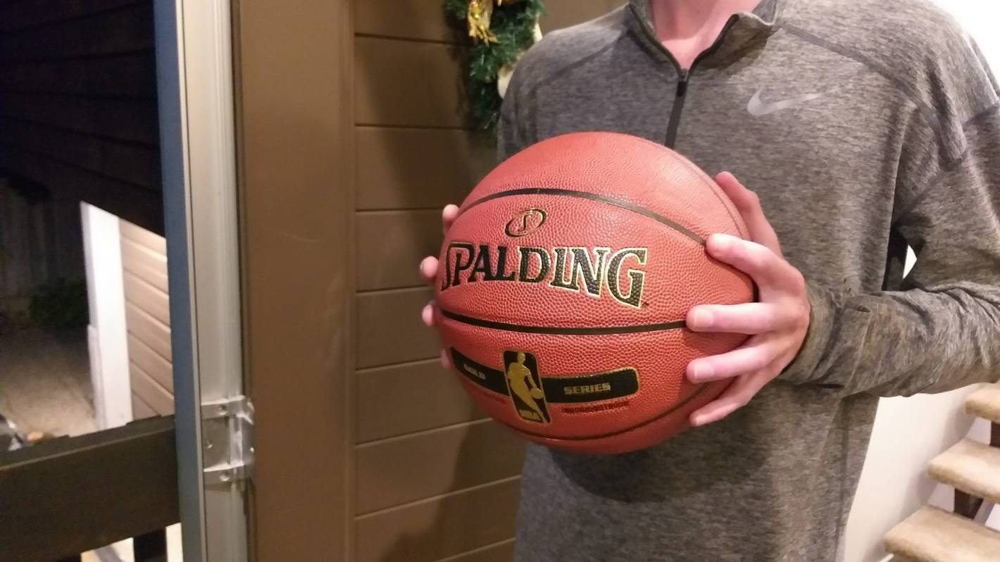 Stranger surprises basketball-obsessed Auckland teen with Christmas present