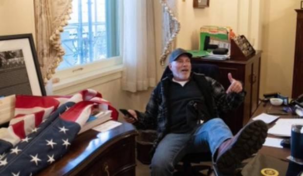 'Bigo', the poser at Nancy Pelosi's desk who left 'a quarter behind' during US Capitol riot