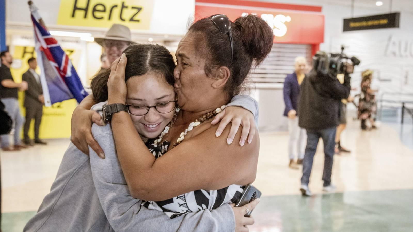 Tears and hugs as first quarantine-free flight from Rarotonga lands