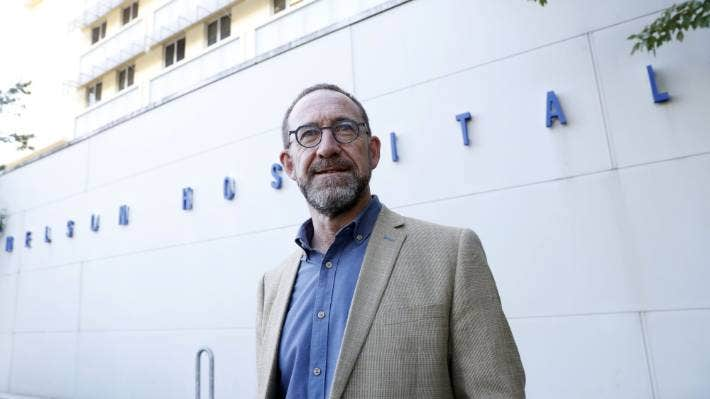 Health Minister Andrew Little has called for a good public debate on water fluoridation.