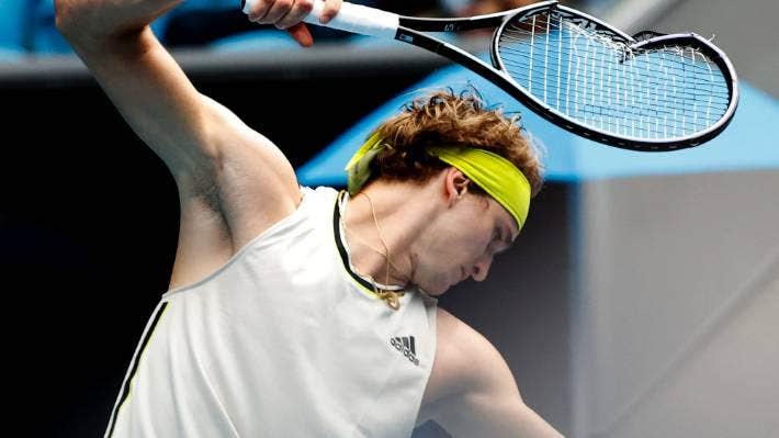 Australian Open Alexander Zverev Destroys Racquet Wins Gifts It To Girl In Crowd Stuff Co Nz