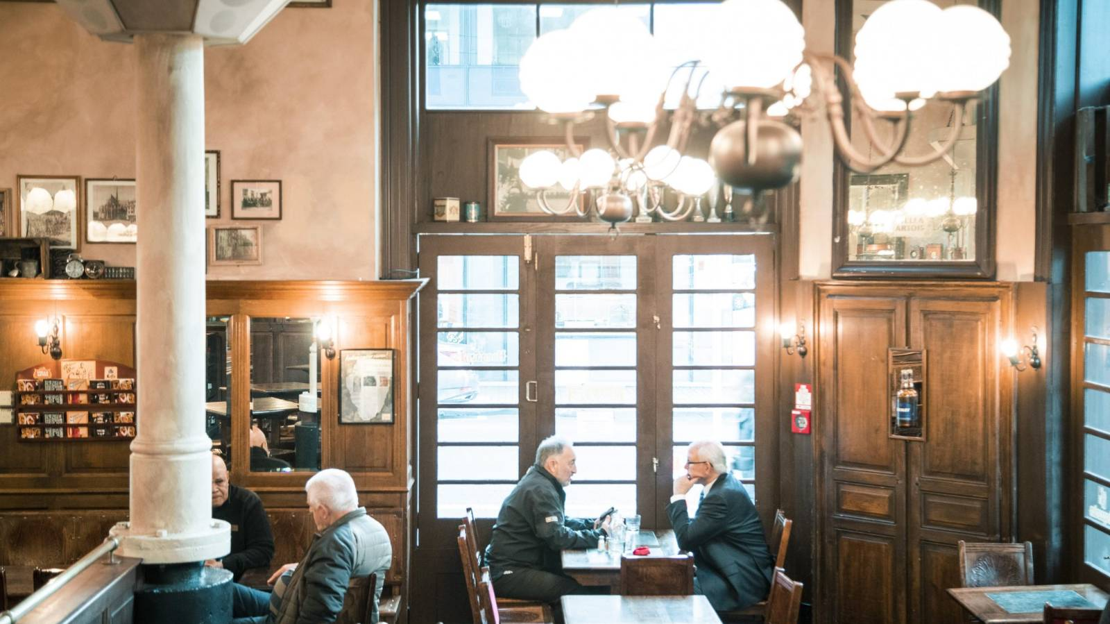 The sale of three well-known Wellington bars falls over