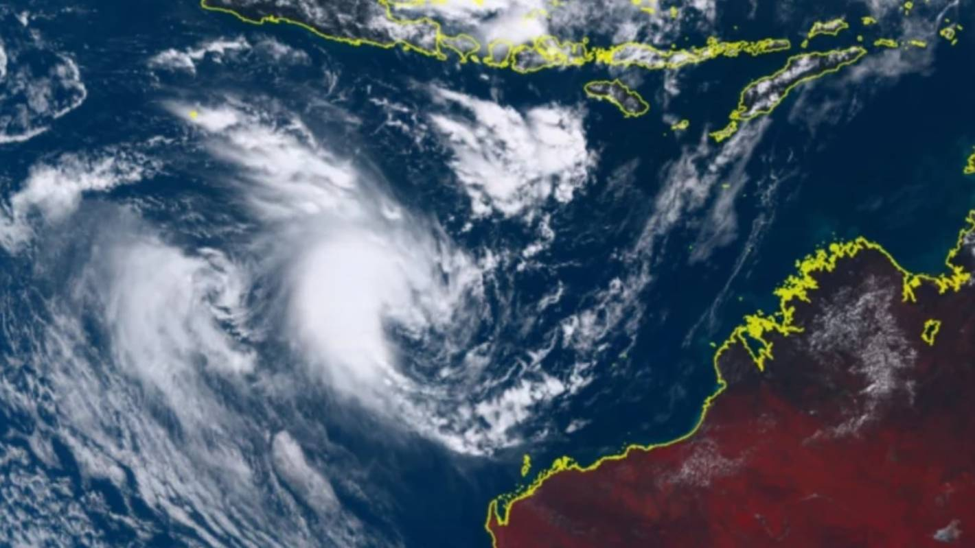 Rare clash of tropical tempests expected off Australia's coast 'like two planets going close to each other'