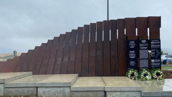The SS Ventnor memorial at Manea Footprints of Kupe uses steel and concrete, and lists the names of all those lost.