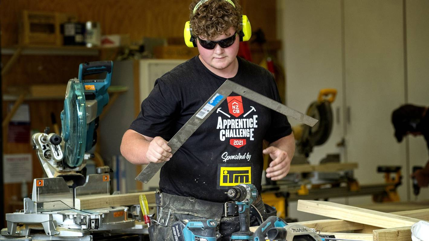 Manawatū top building apprentice to take on national champs