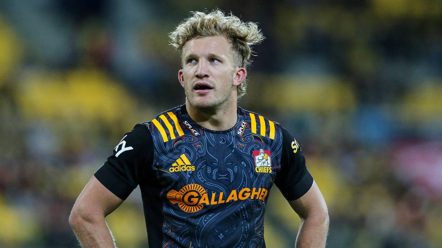 Super Rugby: Shock switch - Chiefs shift Damian McKenzie to No 10 for Crusaders clash