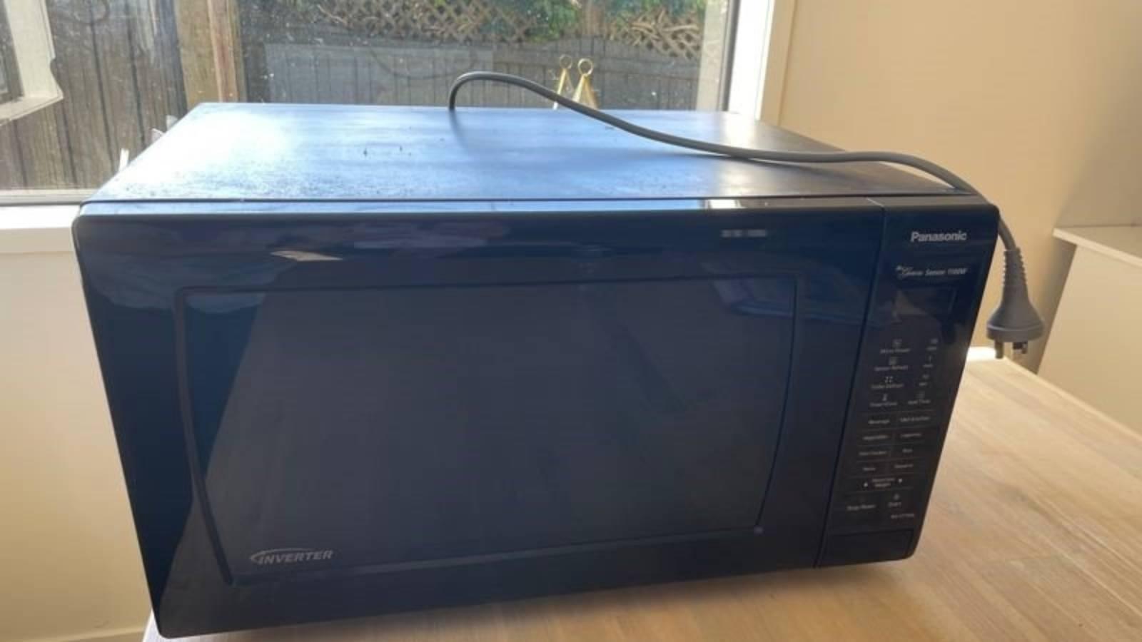 'Possessed' microwave seeks new home